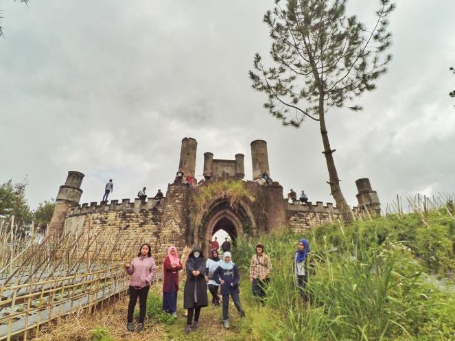 Kastil Hogwarts Selabintana Sukabumi